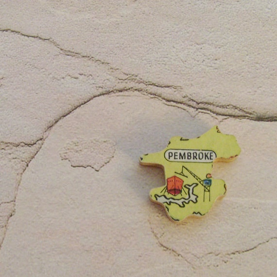 PEMBROKE WALES Brooch - Lapel Pin // Yellow // Upcycled 50s UK Wood Puzzle Piece