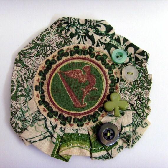 Irish Harp Brooch - Lapel Pin // Cream - Green/ / Shamrocks // Erin Go Bragh // Layered Textiles - Trims