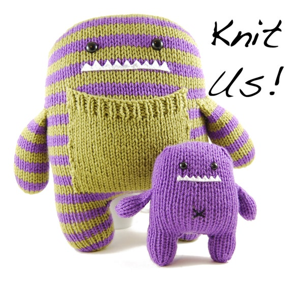 Daphne and Delilah Knitting Kit in Purple and Green