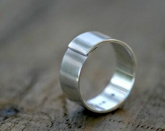 Mens wedding ring (E0319)
