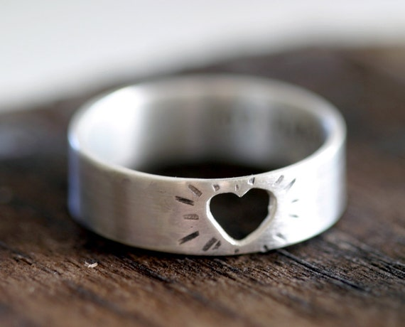 Heart Ring Silver Cutout Mothers Day Ring (E0199)