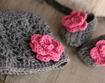 Baby Girl Crochet Hat and bootie set, grey and pink, size 3 to 6  mo.