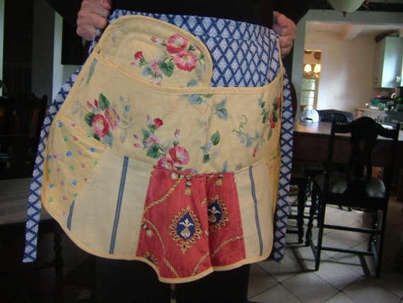 """RETRO CAFE APRON for the Holiday Cook....""""Free Shipping"""""""