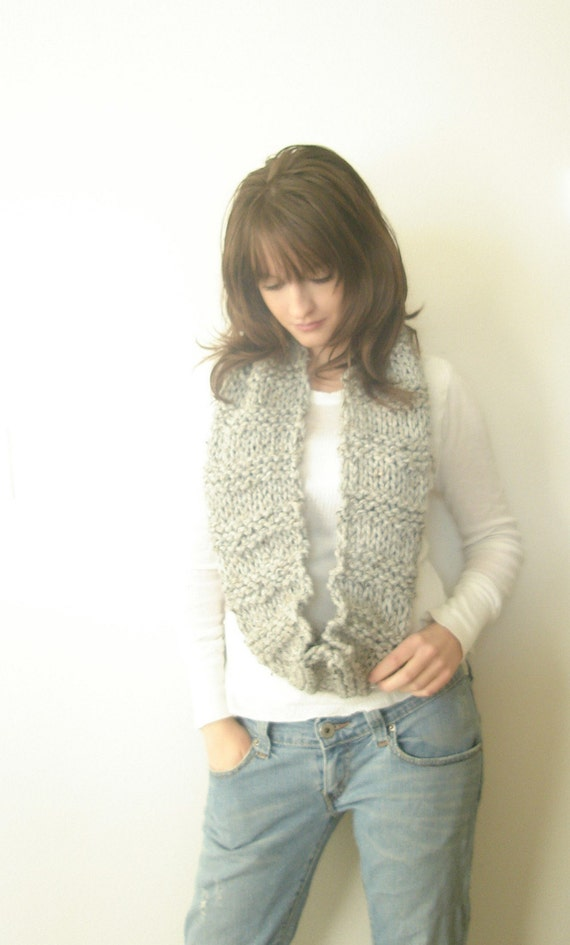 Circular Scarf Hand knitted in Speckled Gray