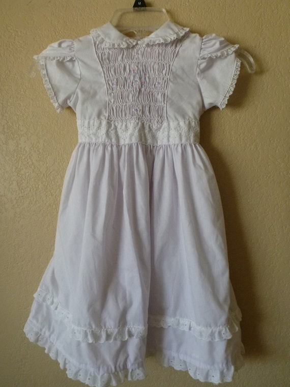 vintage white peter pan collar childs dress. size 5