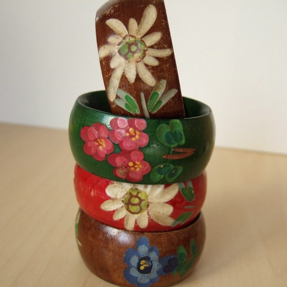 Alpine Flowers - Vintage Wooden Napkin Rings