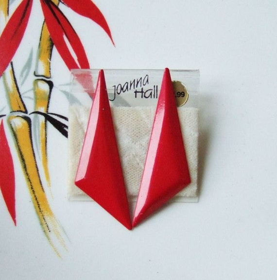 1980s Geometric Earrings - Red Triangles
