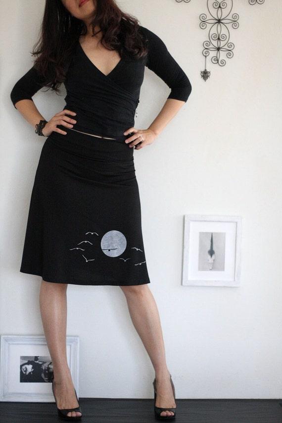 Black knee length skirt-The sunset and the flying birds-size Medium