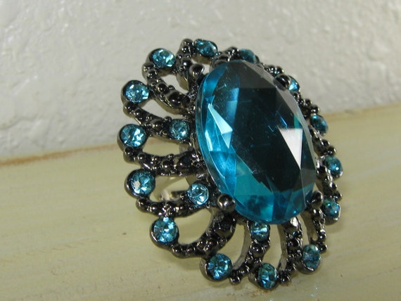 Blue Topaz  Glass Ring - Silver, Cocktail Ring, Large Oval Shaped, Blue Rhinestones, Big Ring, adjustable