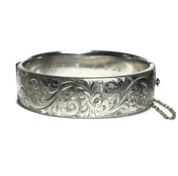 Vintage Engraved Sterling Silver Bracelet Hinged Bangle