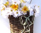 Wall Basket with White Daisies - Summer Trend Decoration -  Alternative Front Door Wreath