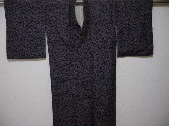 Vintage kimono 1400, purple silk, maple leaves