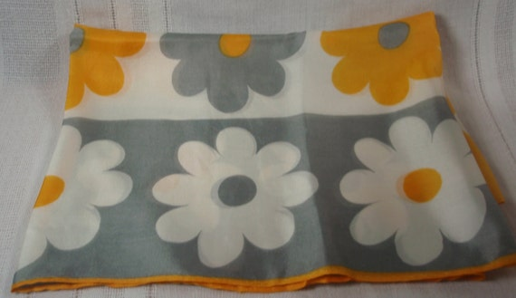 Vintage Scarf, Daisies, gray, yellow and white.