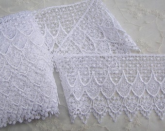 Vintage Chic delicate White Venise Lace for bridal accessories altered couture and costume design