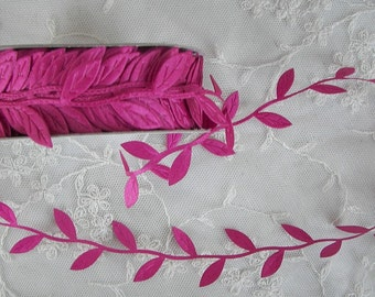NEW COLOR 3yds Fuchsia Leaf Trim on a Vine great for scrapbooking quilts clothing holiday bridal