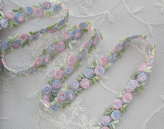 Vintage Chic Embroidered Rose Bud Flower Ribbon Trim Scrapbook Multi Colored Shaded Pink Blue Flowers Baby Doll Quilt
