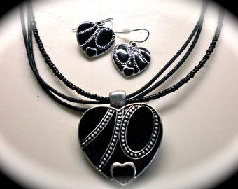 EBONY HEART Necklace Set