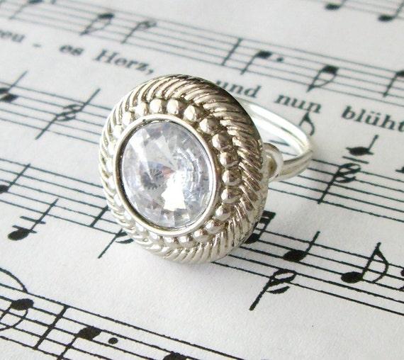 SALE Vintage Rhinestone Button RIng
