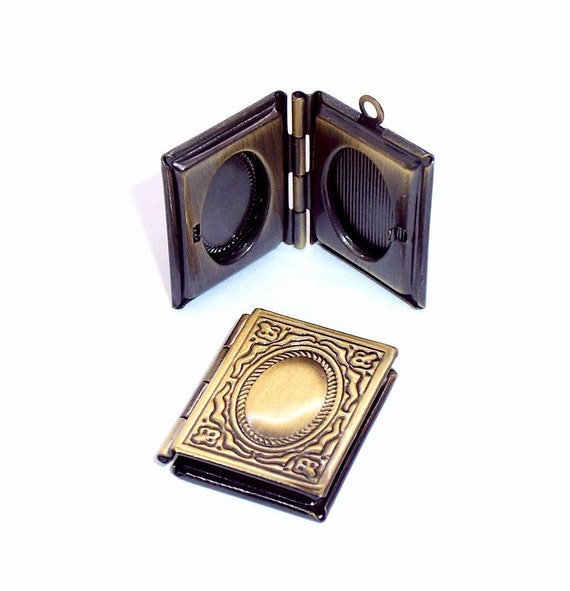 8 Book Locket Charms ..... antique brass - 2nd quality