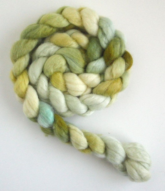 BFL Roving (Top) - Handpainted Spinning or Felting Fiber, Bamboo and Dogwood Blue 4, Lynne Vogel