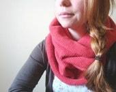sequoia knit cowl in ROUGE (vegan friendly)