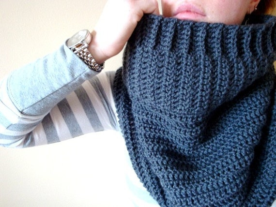 the slouch cowl in CHARCOAL GREY (vegan friendly)