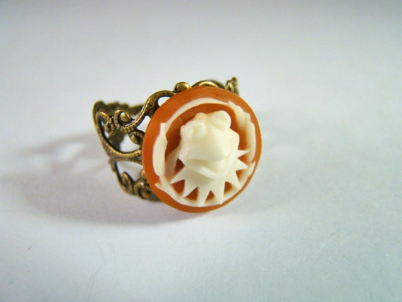 Kermit the Frog Vintage Cameo Ring