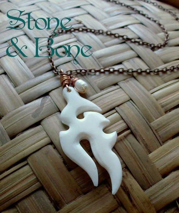Tribal White Bone Beach Pearl Copper Wire Wrapped Chain Pendent  Necklace, Lady Warrior EN32