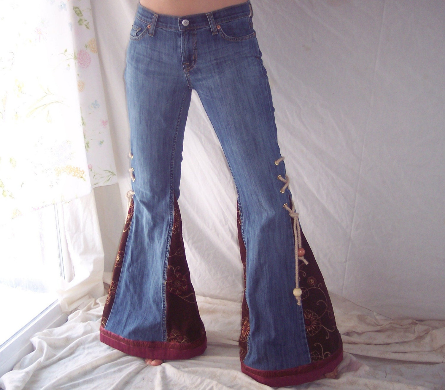 Embroidered corduroy bell bottom jeans size clearance