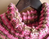 Reversable pink and brown cowl