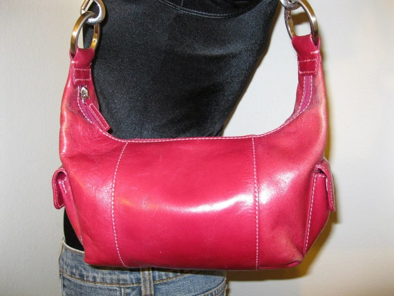 Hype small shoulder bag in berry color genuine leather