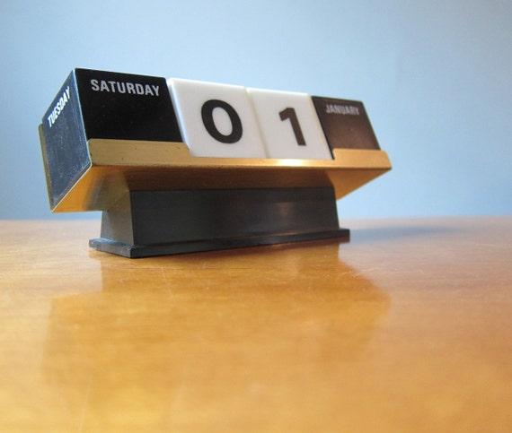 Perpetual Calendar Cube : Vintage cube perpetual calendar