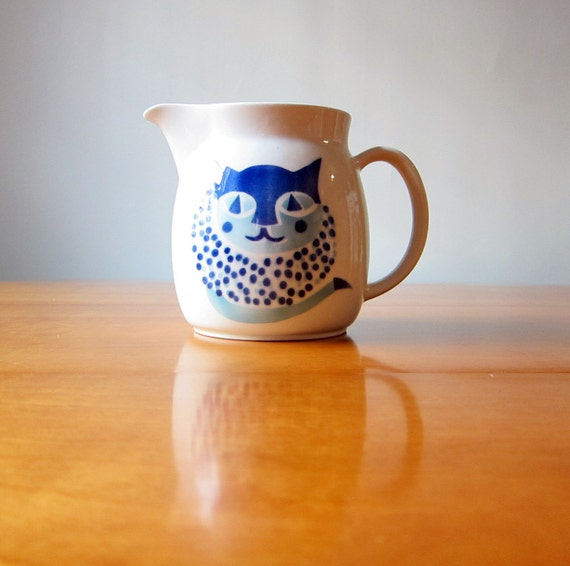 Arabia of Finland blue cat pitcher