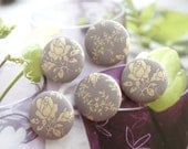 "Fabric Buttons, Large Retro Lavender Purple Cream Rose Floral Flower Fabric Cover Button, Retro Flower Fridge Magnets, Flat Backs, 1.25"" 5's"