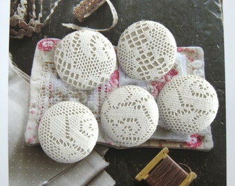 """Handmade Country Rustic Retro Off White Beige Floral Flower Lace Fabric Covered Buttons, Retro Cream Lace Floral Fridge Magnets, 1.25"""" 5's"""
