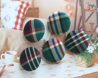 Fabric Buttons, Retro Green Red White Plaid Gingham Checks Christmas Fabric Covered Buttons, Gingham Checks Fridge Magnets, CHOOSE SIZE 5's