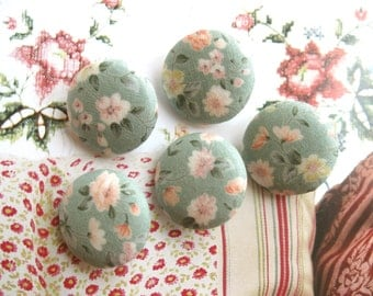 Fabric Buttons, Retro Green Pink White Floral Flower Fabric Covered Button, Retro Wedding Blue Floral Fridge Magnets, CHOOSE SIZE 5's
