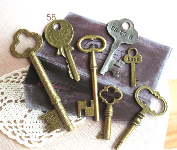 Metal Bronze Silver Keys Charms - Vintage Style Retro Key Necklace Bracelet Metal Charm 7's LAST SET