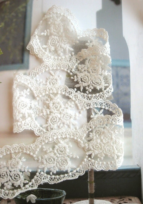 Cotton Lace Fabric Trim - Retro Off White Floral Flower Crochet Scallop Net Lace Fabric Cloth TRIM 2.5 Inches 1 Meter - Laura
