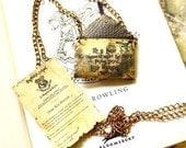 Customisable Hogwarts letter necklace - Harry Potter  jewelry