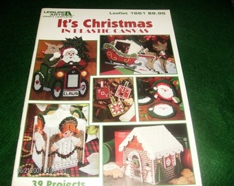 Christmas Plastic Canvas Pattern Leaflet It's Christmas in Plastic Canvas Leisure Arts 1661 Plastic Canvas Patterns