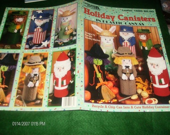 Holiday Plastic Canvas Holiday Canisters in Plastic Canvas Leisure Arts 1685 Maciver Plastic Canvas Pattern Leaflet