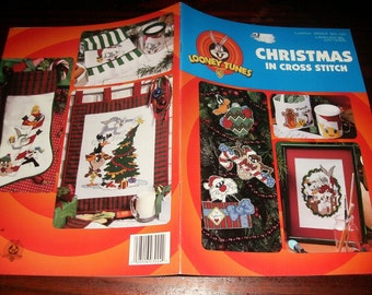 Counted Cross Stitch Leaflet Looney Tunes Christmas in Cross Stitch Cross Stitch Book Leisure Arts 3024 Cross Stich Pattern
