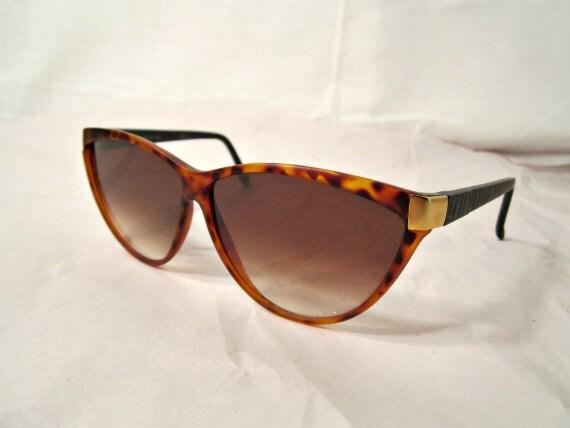 Cat Eye Sunglasses. Womens Eyewear. Acrilyc Tortoise. Smoky Lenses.