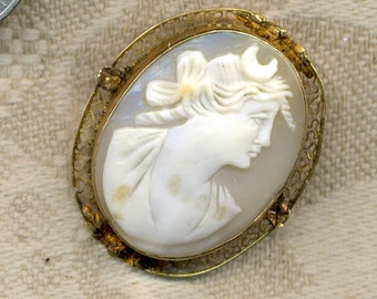 Cameo 10K Gold and Shell Antique  Pin Pendant SALE