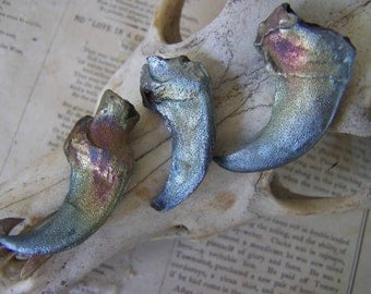 77. Three Stark  Direwolf Claw Raku Replica Under the Blood Moon