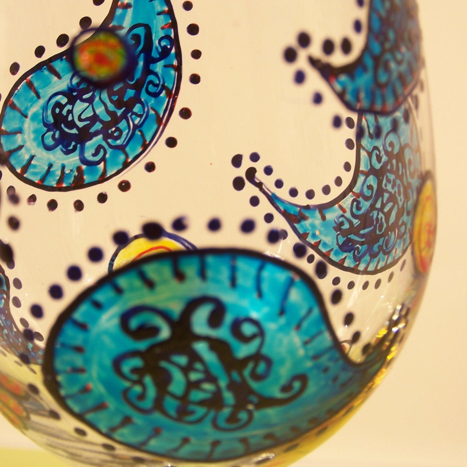 Painted wine glasses funky blue paisley design set of - Funky champagne flutes ...