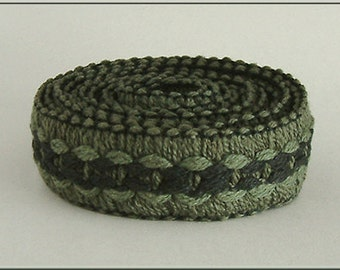Antique HATTER MILLINERY Olive & Black Raised Cable BAND Braid 1950s