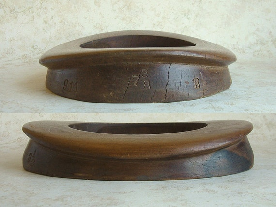 Antique Early 1900s Hatters CURLED WESTERN Wood Block Tool Large BRIM Millinery