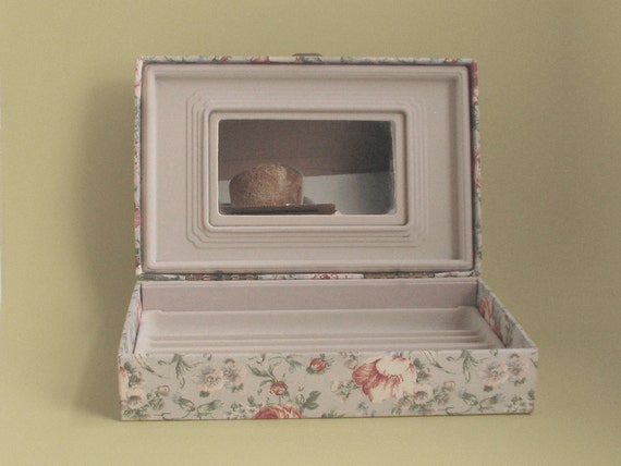 Vintage 1950s FLORAL Print FABRIC Covered JEWELRY Box with Sectioned Trays and Mirror